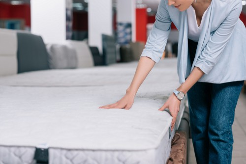 What's the difference between innerspring and hybrid mattress